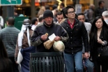 RICHARD GERE GOES UNNOTICED BY THE RUSH HOUR CROWD FILMING IN NYC